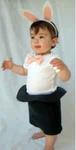 תחפושת-מקורית-לילד-שפן-כובע-קוסם